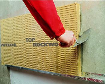 Homlokzat szigetelése ROCKWOOL Frontrock Max E szigeteléssel